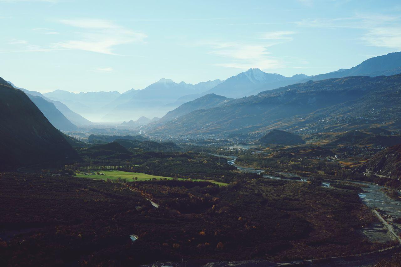 Mountain Berge Landscape Landschaft Schweiz Switzerland Wallis Leuk Sky Himmel Nature Tal Valley