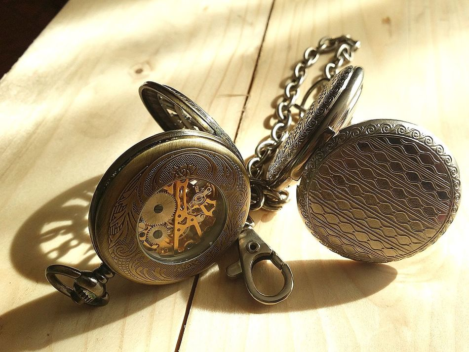 Indoors  Table Wood - Material Old Pocket Watch Watch Old Close-up Pocket Watches Time Busy