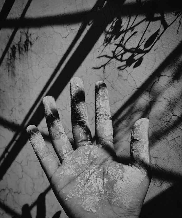 Human Body Part Human Hand One Person Shadow Dirty Palm Faded Colors Faded Color Sunlight And Shadow Shadow And Light Hand Light Shadows & Lights Cracked Wall Palm Hand Sunlight Wall Palm Sommergefühle Day Blackandwhite Black And White Live For The Story EyeEmNewHere EyeEm Selects
