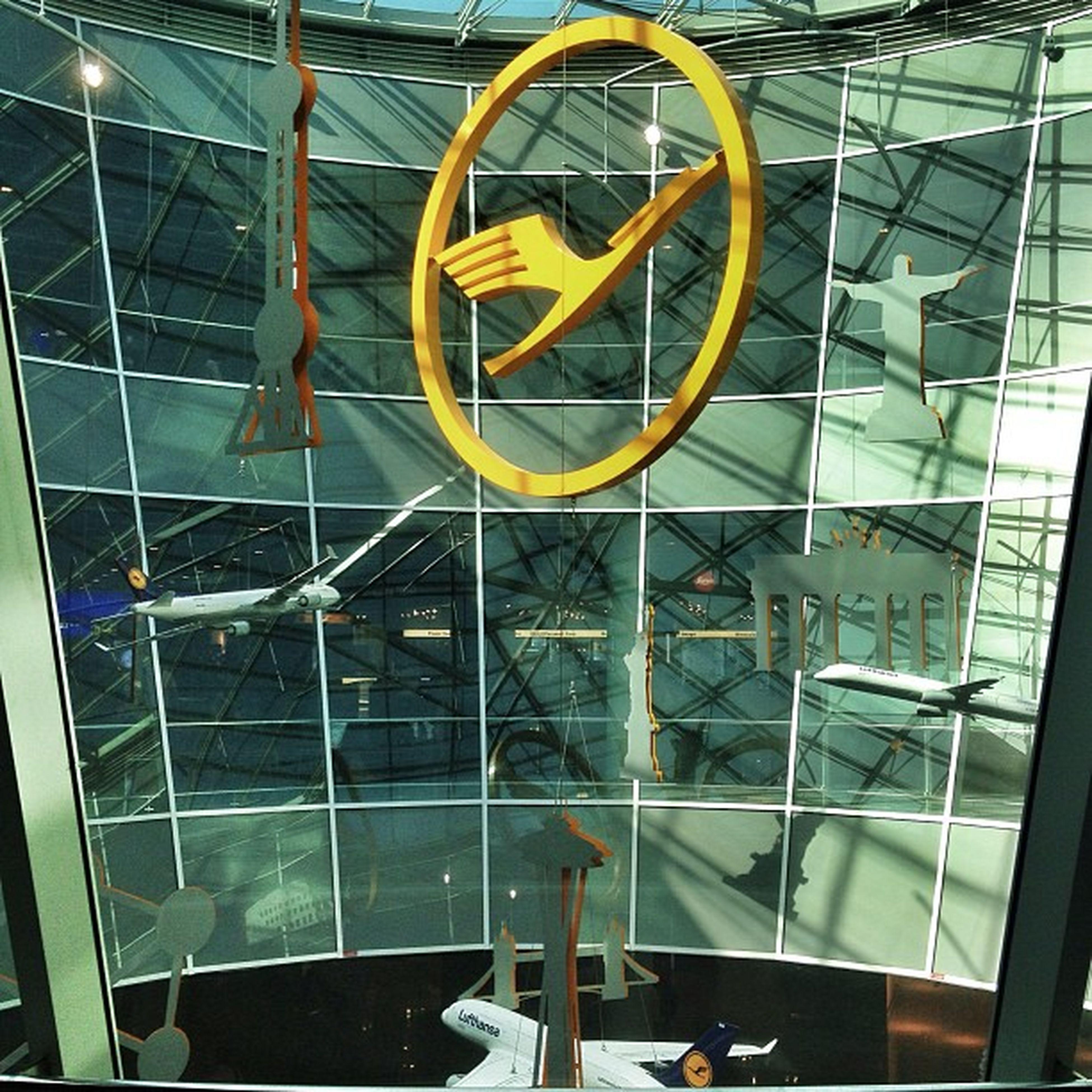 The Center of the Luniverse ? Lufthansa Frankfurt airport germany luha deutschland logo kranich flughafen