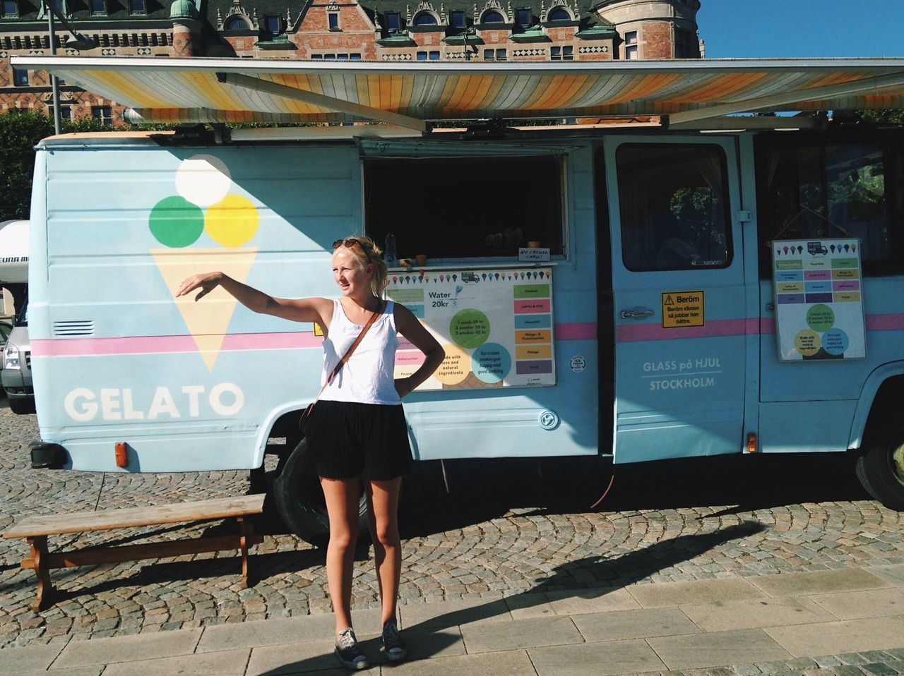 Gelato Over There It Really Kills Me Wen Girls Do That Like What Are U Pointing At Ice Cream Truck