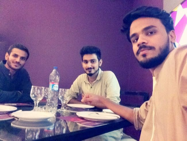 Happy Eid Taking Photos Today's Hot Look People Of EyeEm With Friends Happy People That's Me ImSoHappy Faces Of EyeEm Hanging Out Eid2015