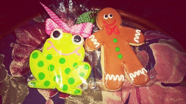 Cookies from the Dal Craft Show! Frog And Gingerbread Man