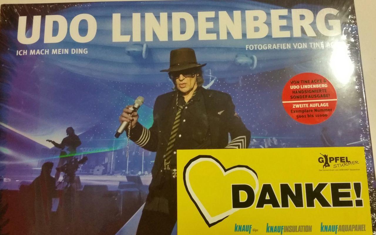 Cooles Buch von Udo Lindenberg! Udolindenberg People Are People Enjoying Life Hello World Globalwatching