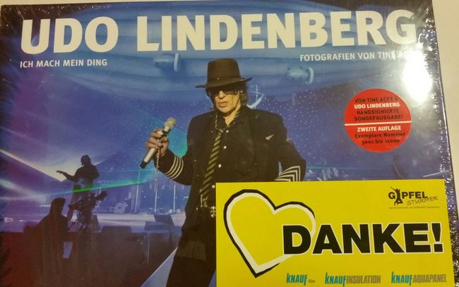 Cooles Buch von Udo Lindenberg! Udolindenberg People Are People Enjoying Life Hello World Globalwatching