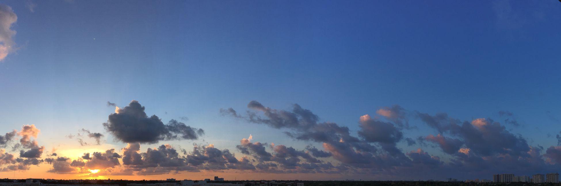 I just love Sunsets 🌅🌅🌅 ••• Sky Sunset Sun Miami Hallandale Beach Clouds Skyporn Thursday