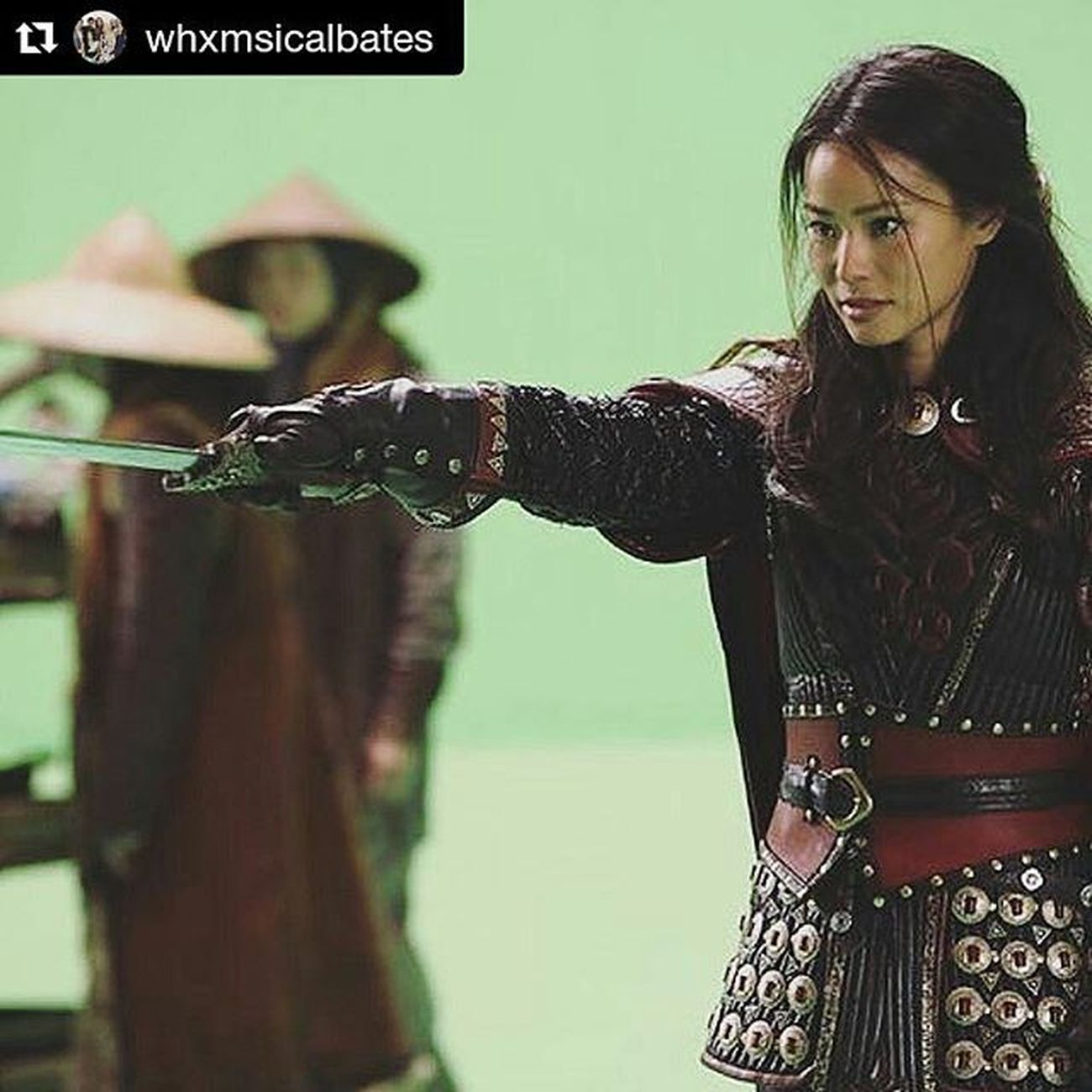 Repost @whxmsicalbates ・・・ very excited to have @jamiejchung back for season 5 💕 { ABC Ouat Onceuponatime Onceuponatimeseason5 Ouatseason5 Onceseason5 Mulan Jamiechung }