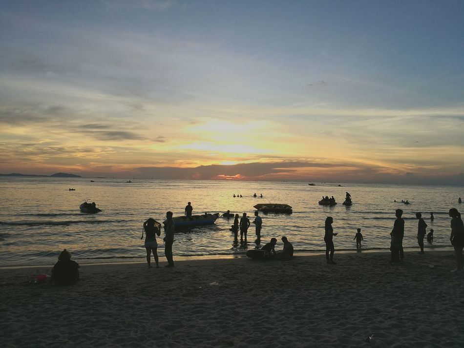 :) ฿ Beach Chonburi ,Thailand BangSanBeach Saensuk Sunset Fishing Sea Water Outdoors People Sky Large Group Of People Adult Beauty In Nature Nature Sports Team Adults Only Match - Sport Human Body Part Day