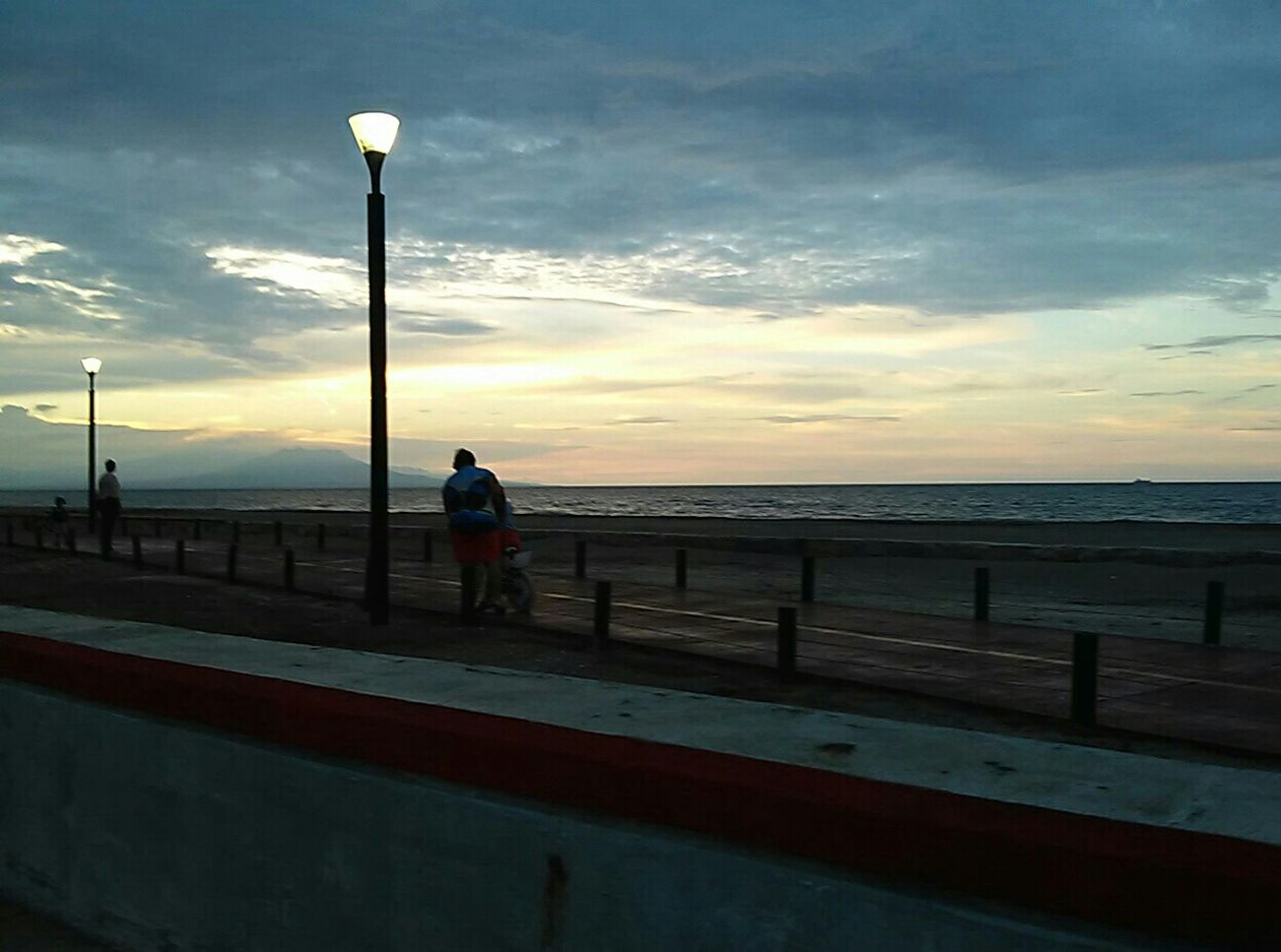 Going The Distance Mi Hermoso Puerto Beachcoatza. Atardecer En Coatzacoalcos Urban Lifestyle Vive_mexico Mexico De Mis Amores Caminata Beautiful Nature Betsfriend