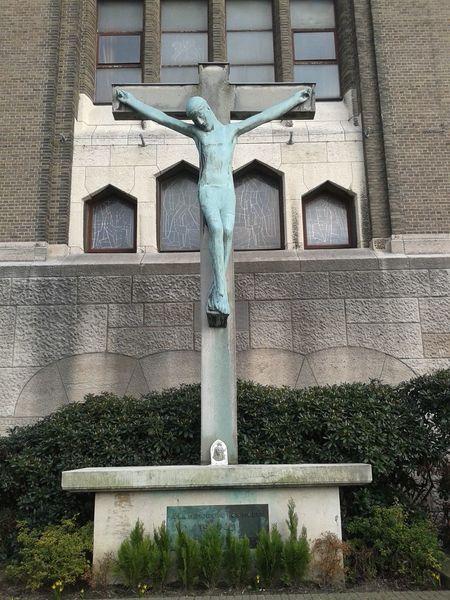 Koekelberg Basilica Deathofheroes Worldwar1 Graveyard_dead
