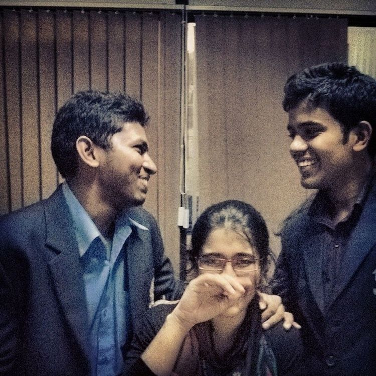 A photo that has a lot of smiles....Iaeste Iaeste Office Sister Bro Light Moment .