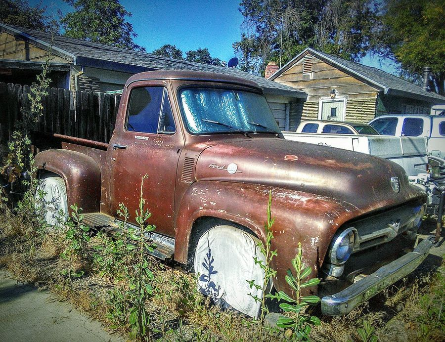 Classic Classic Truck Vintage Truck Ford Ford Truck My Photography Mein Automoment Taking Photos ❤ Eye4photography  Truck Street Photography Ford F100 Pickup Truck Ford F100 Parked Cars Automotive Photography Auto Portrait