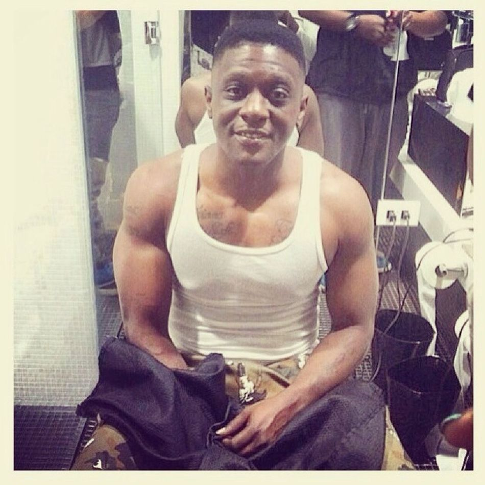 At the barbershop boosie getting his fresh fade welcome home boosie