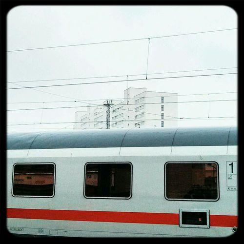 Weiß in weiß Foggy Architecture