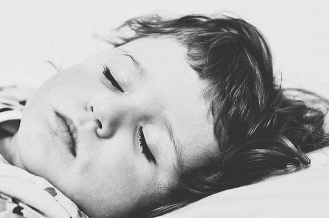 Czy Ona kiedyś będzie wcześniej zasypiac?Sleepingbeauty Goodnight Dobranoc Mylove Bw_lover Loveher Mybeauty Doughterlove Kochamją Jestembojestes Mojewszystko Igbaby Igkid Dziecko Córka 💙💙