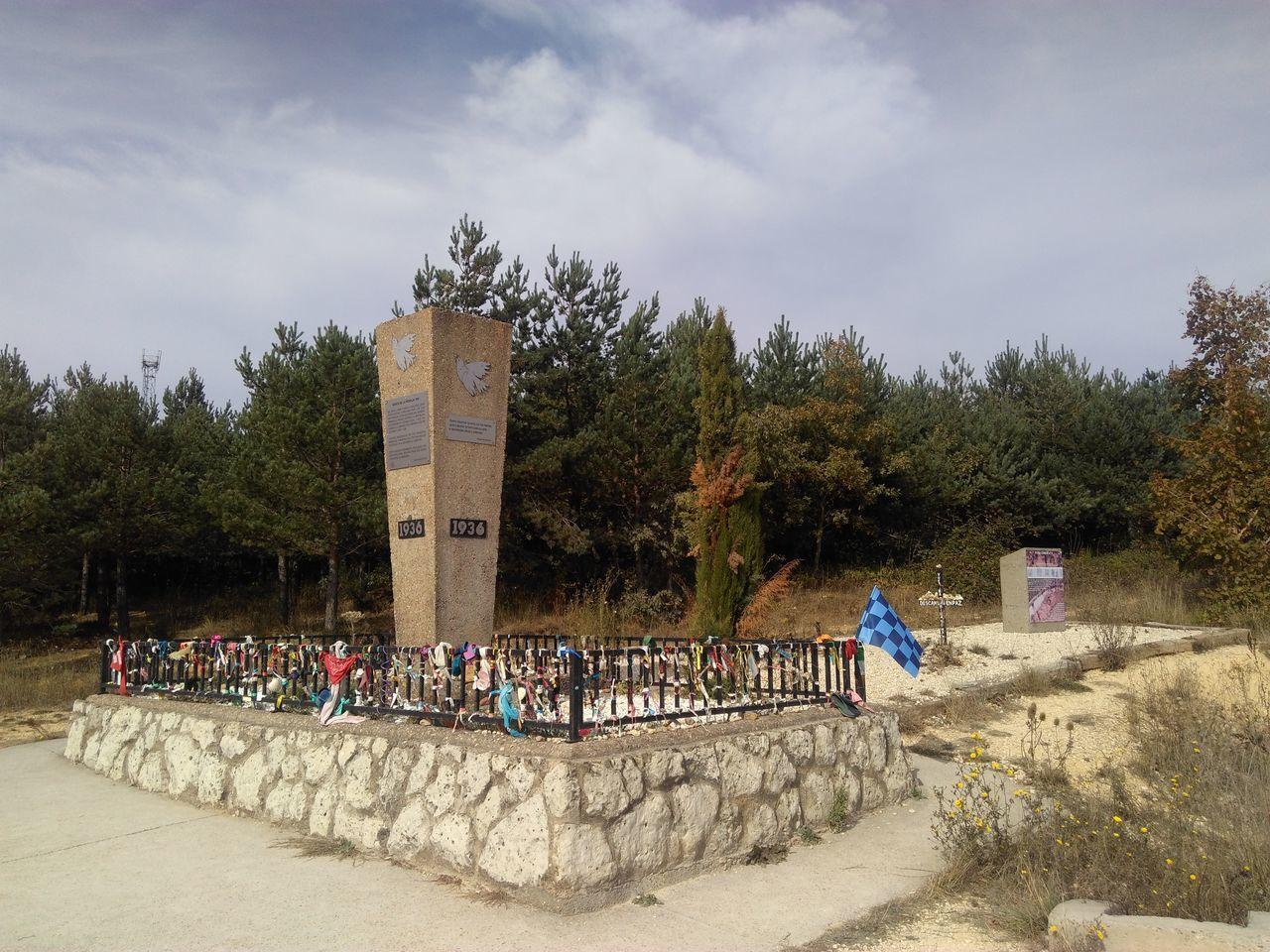 No People Jakobsweg Way Of Saint James Camino CaminodeSantiago Camino De Santiago Track Way Road Travel Reise Monument Denkmal 1936