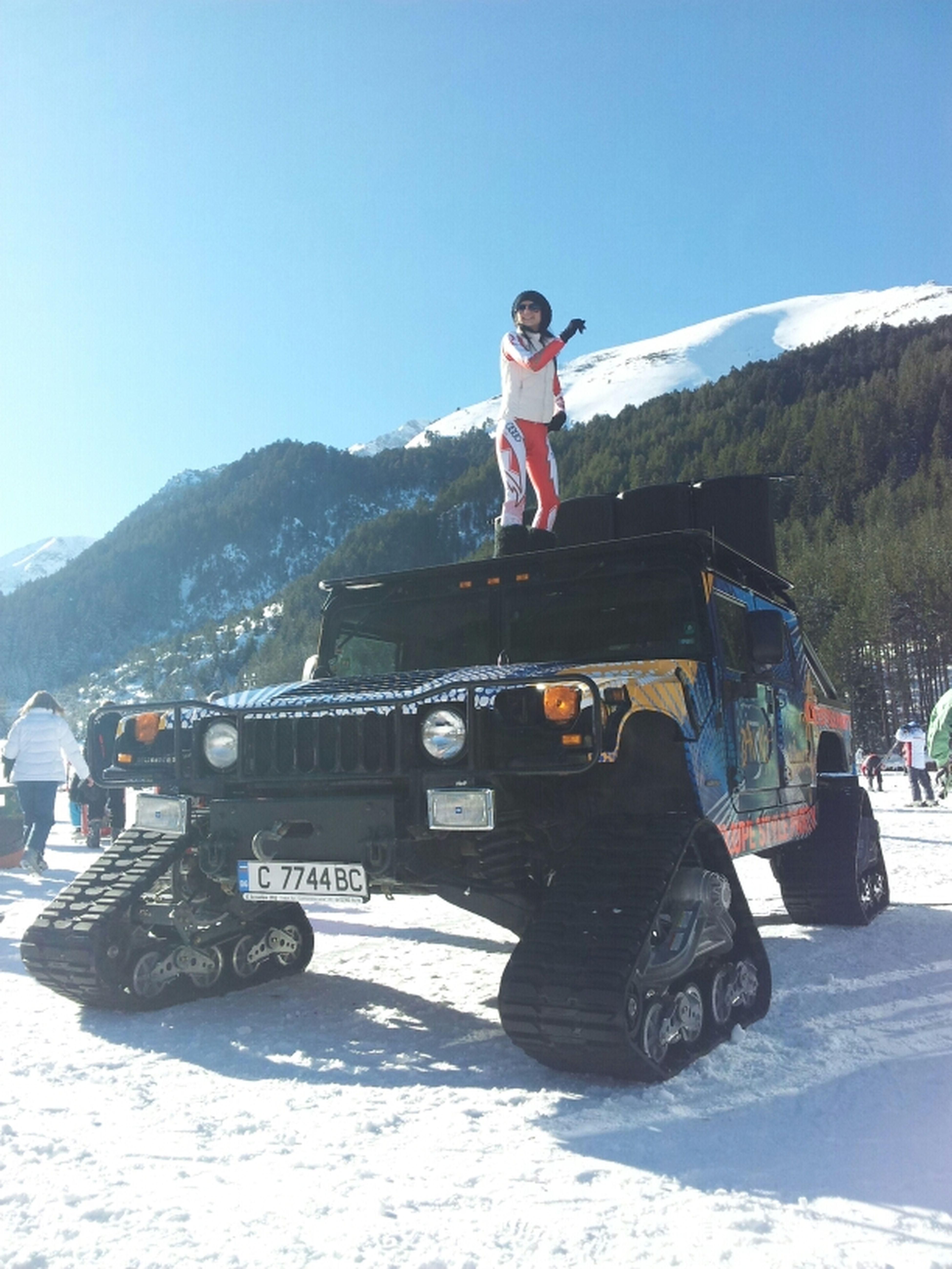Relaxing Taking Photos Photo Snow Ski Snowboarding Hummer Bansko Hoppa New Year Style