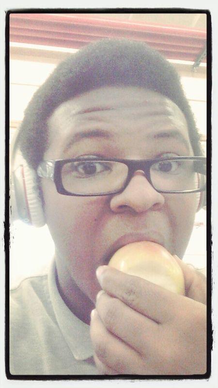 Eating An Apple (: #teamhealthy