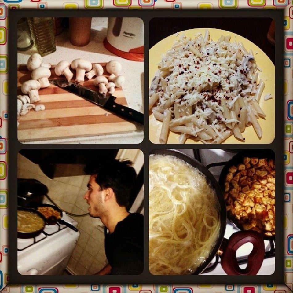 Ozgurun beni kiskanmasi.. Ben daha iyi yaptim @ozgurryilmaz Italyano Yummy Hungryn Chicken crema eat macarone best benden iyi yapamazsin ozguuur