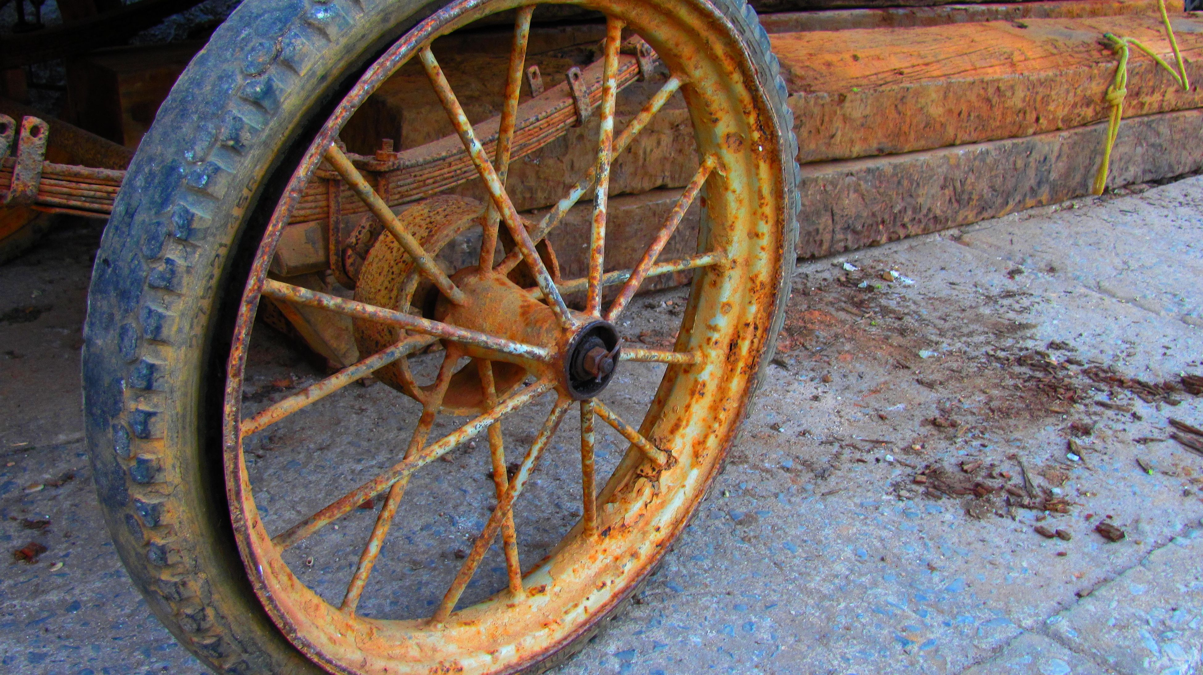 wheel, old, transportation, wagon wheel, abandoned, old-fashioned, rusty, damaged, no people, obsolete, bad condition, day, spoke, outdoors, close-up