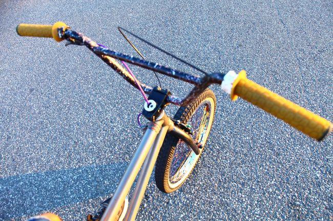 Bicycle Land Vehicle Selective Focus Handlebar Street Bicicleta Bici Biciclette Bisiklet Bisikleta Fahrrad Fiets Cyclist Bike Splatter Bokeh Massachusetts East Coast Stem Grip Brakes Frame Wheel Tire Pavement