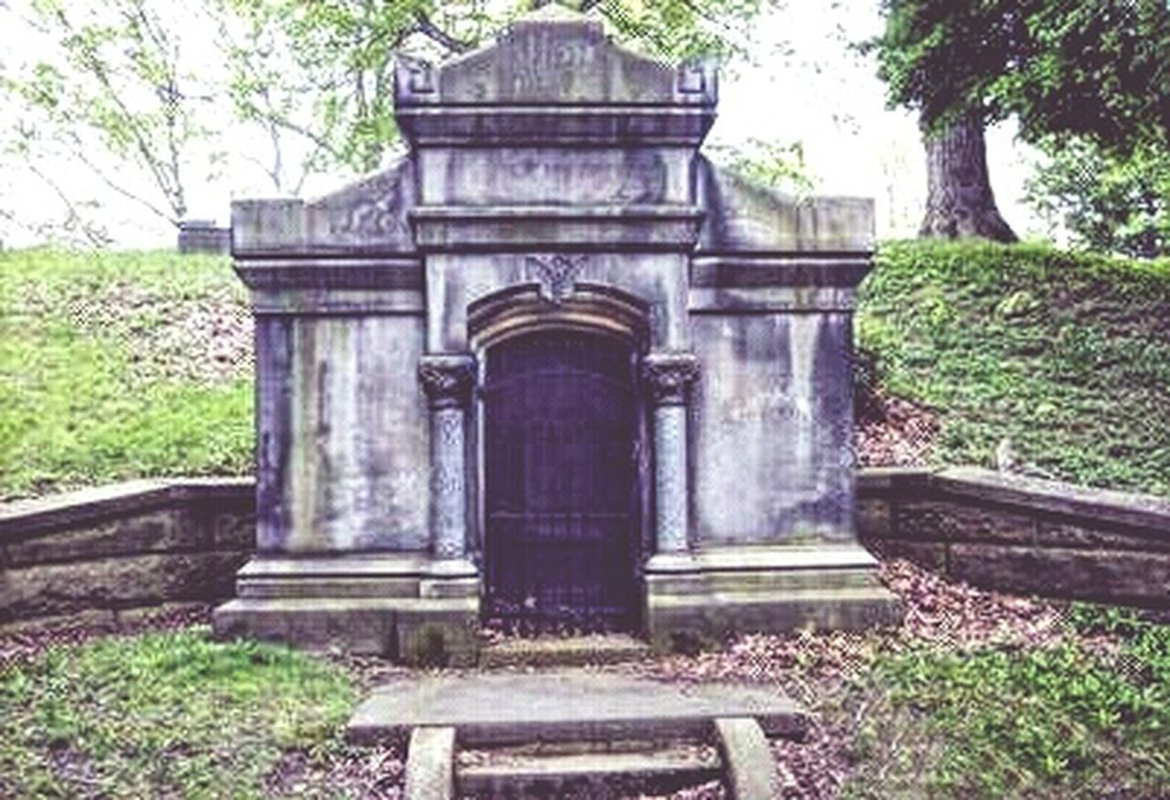EyeEmNewHere Outdoors Tree Built Structure History Architecture Building Exterior Spoonie  Nooneknows Eyeemphotography Graveyard Memorial Cemetery Mausoleum Crypt VampiresStory