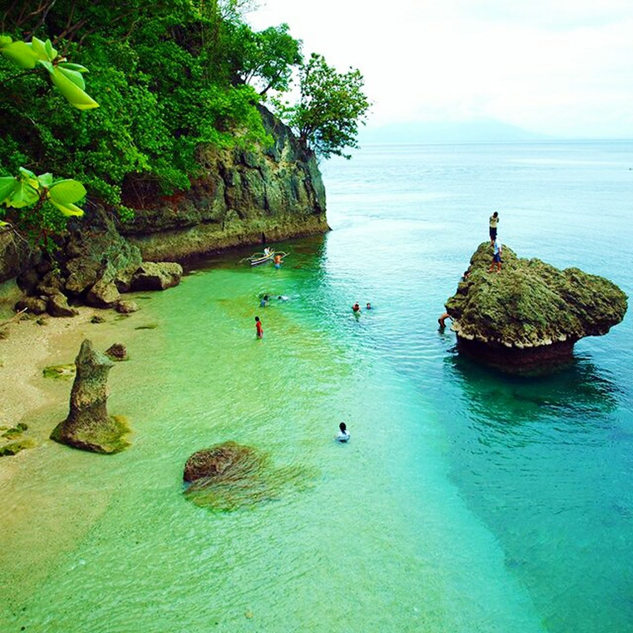 Itsmorefuninthephilippines Canibad Paradise! paradigm Beachin' Loveit♥ Whitesand Rockformation Rockformations Divingspot 👌👌👍👍