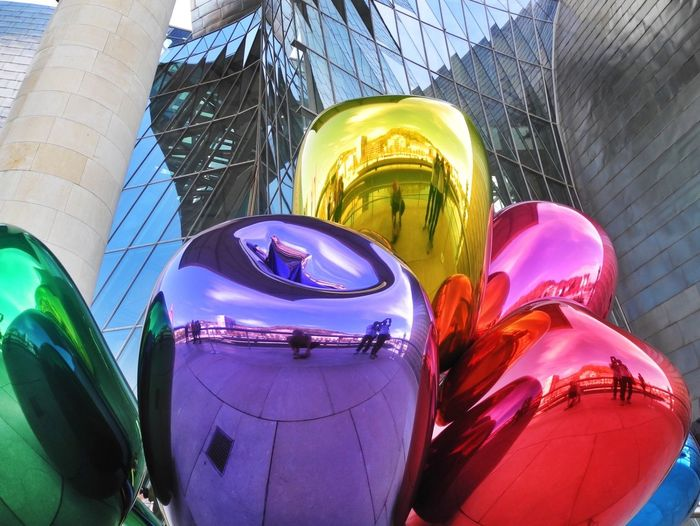 Koons Tulip Art Sightseeing Light And Shadow Streetphotography People In Museum Jeff Koons