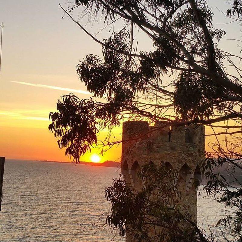 Bona Vesprada... ViuLloret World_navidad15 Viulacostabrava WORLD_BESTSKY Skyaddiction Ok_Sky Ok_sunset