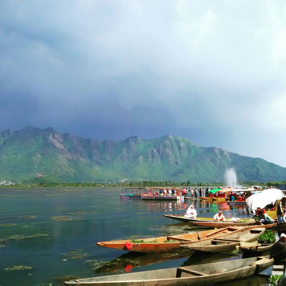 Kashmir Dal Lake Breathtaking Lake View Srinagar  Irfanrulz EyeEm Nature Lover Nature On Your Doorstep