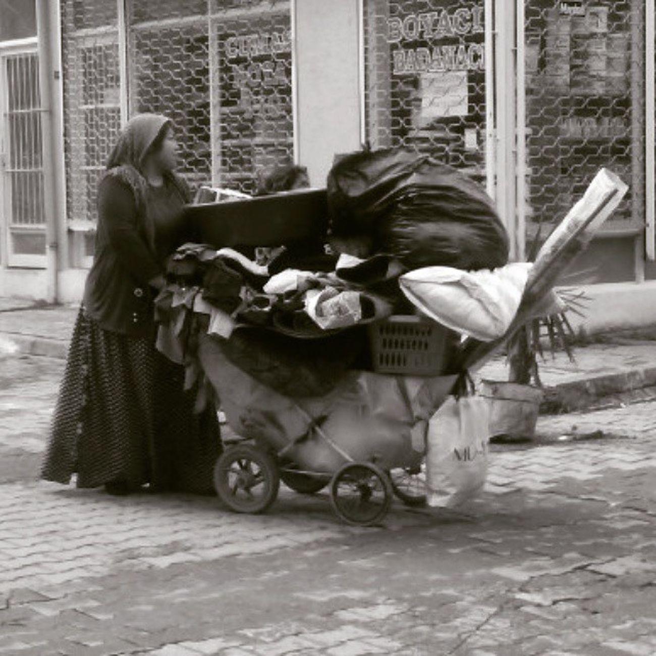 Bugununkaresi Blackadnwhite Benimkadrajım Bendenbirkare siyah street_photo_club phototag_nature phototag_street photography Adana fotografvakti