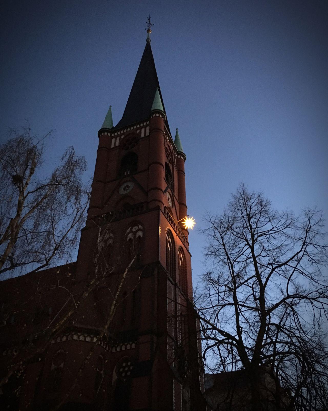 * Samariterkirche Berlin Friedrichshain Church Tree Evening Evening Sky No People Light Star Weihnachtsstern Advent