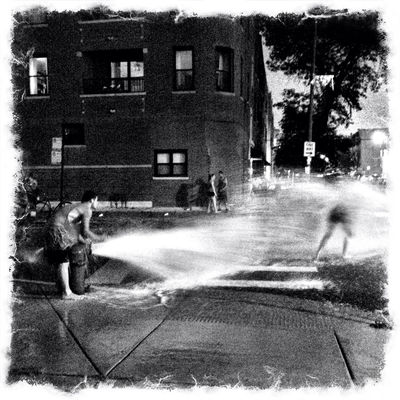 Cooling off in Chicago by Eaves 📱📷