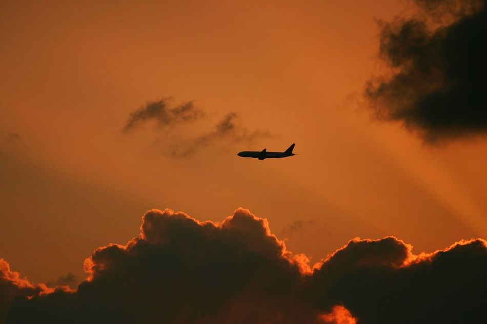 Beautiful stock photos of flugzeug, Air Vehicle, Airplane, Beauty In Nature, Cloud - Sky