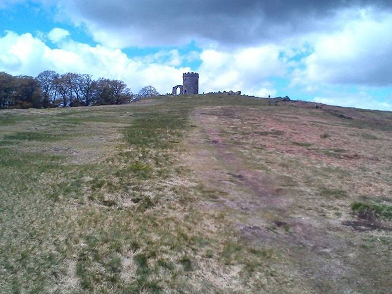 So I was look through my old photos I took on my old phone(Xperia Miro St23i)and look what I found🙌. A photo I took when I first went to Bradgate Park. Sky Skylovers Skyblue Bluesky Skyandclouds  Skycollection Bradgatepark Myleicester Landscape Landscapes Landscapephotography Throwback Tb Landscape_captures Landscapelovers Tress Beauty Beautiful Beautyofnature Naturelovers Nature Naturephotography Beautifulday Photo Shots walk phonephotography clouds amazing cool