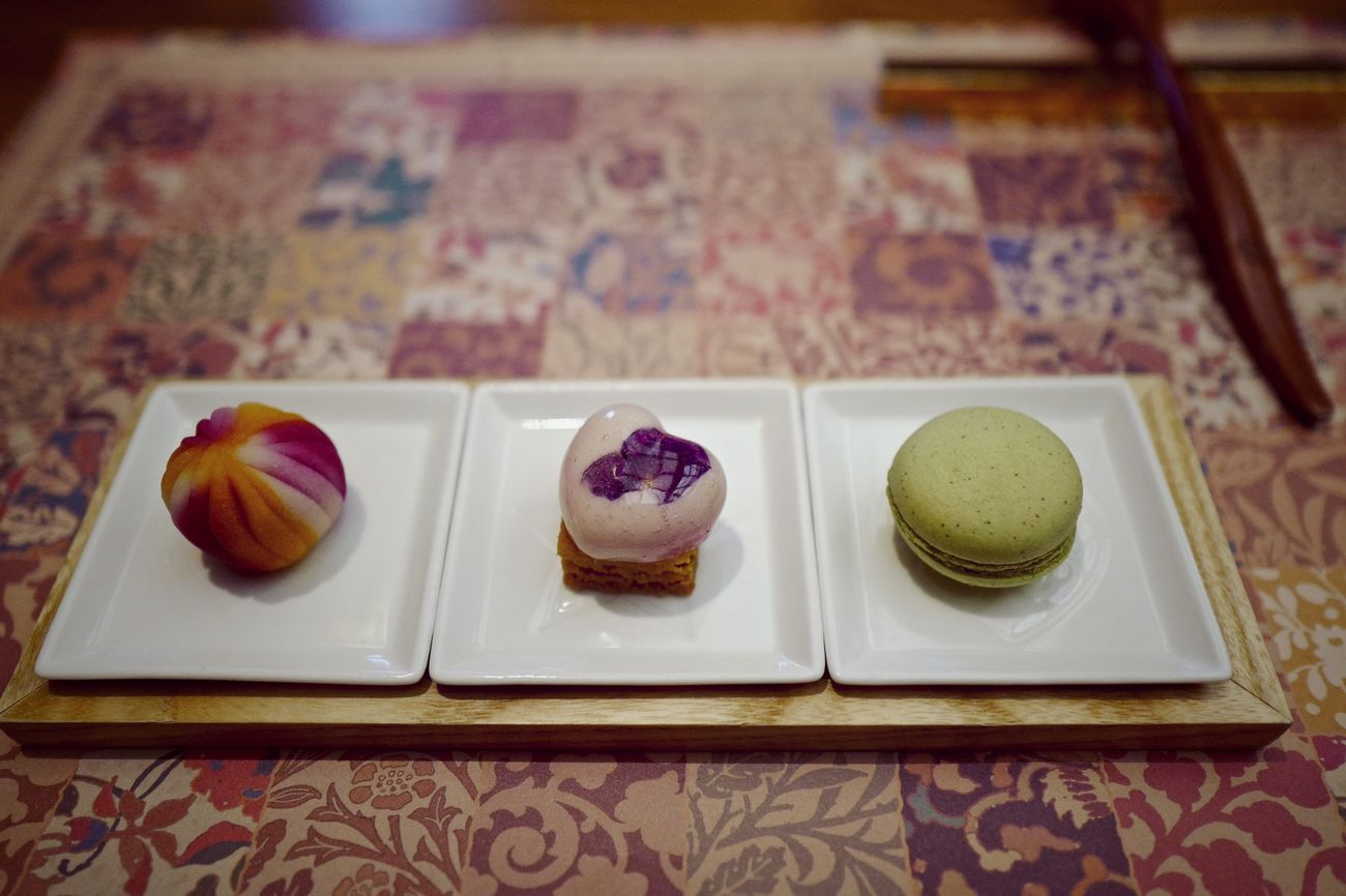 """NARISAWA directions Mignardises Mignardise """"celebration"""": Sweet Food Food Serving Size Dessert Serving Tray & the ingredients of [for (making)] a dessert, All Kyushu made. Temari Mousse Macarons Close-up Food Photography Q 28mm f/2.8 March 2017 Menu thema """"Start on a Journey / 旅立ち"""" スイーツテロ On The Table In The Train JR KYUSHU SWEET TRAIN """"ARU RESSHA"""""""