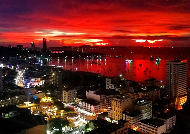 Thailand by night This Week On Eyeem Inspiring_photography_admired Sunsets Citty OceanCity Urban Skyline Uniqueness Testing Huawei P10 2017 BestofEyeEm TESTING HUAWEI 2017 VPS2017 Magazine Shoot Eye4photography  2017 Trending Now Huawei Instagram Eyesight The Week On EyeEm Back At Work  Bestmoment Beach Full Frame Magazine Connected By Travel Perspectives On Nature Postcode Postcards Second Acts EyeEmNewHere Rethink Things