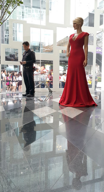 Bangkok Madame Tussauds SecurityGuard Shopping Mall Siam Discovery Siamdiscovery