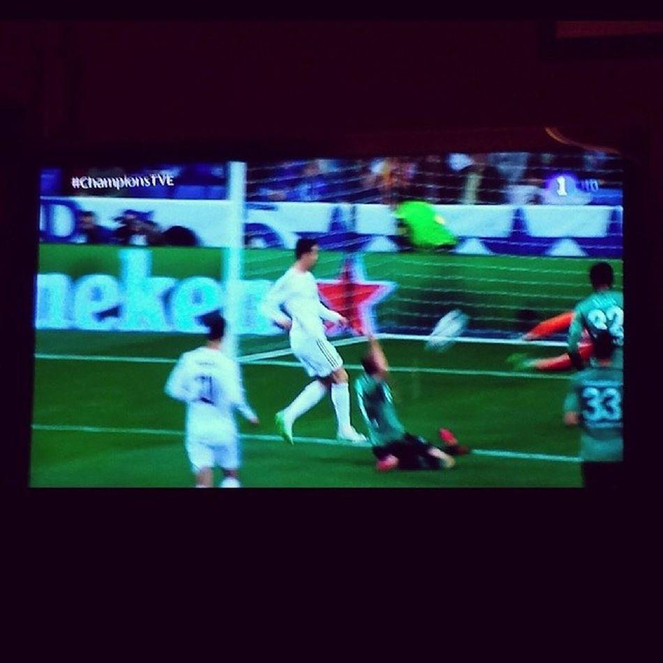 Primer golazo de Sancristiano 7 -1 Realmadrid Schalke04 halamadrid cristiano ronaldo championstve