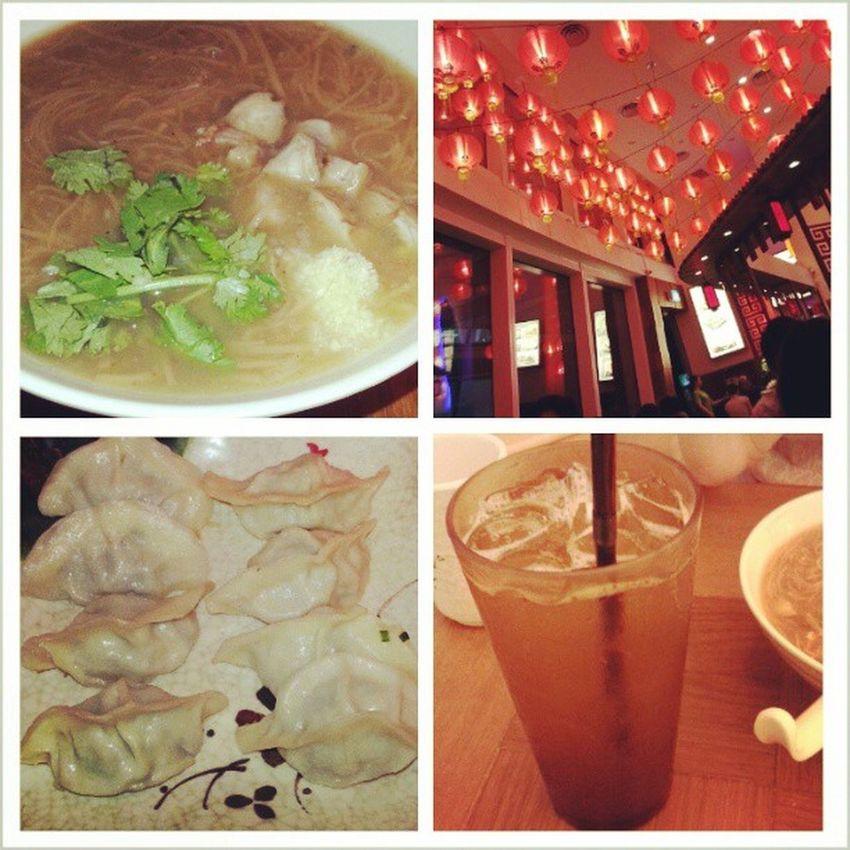 Dinner at Lee with @jyangsaw YumYum Meesua Icelemontea Guotie starvista