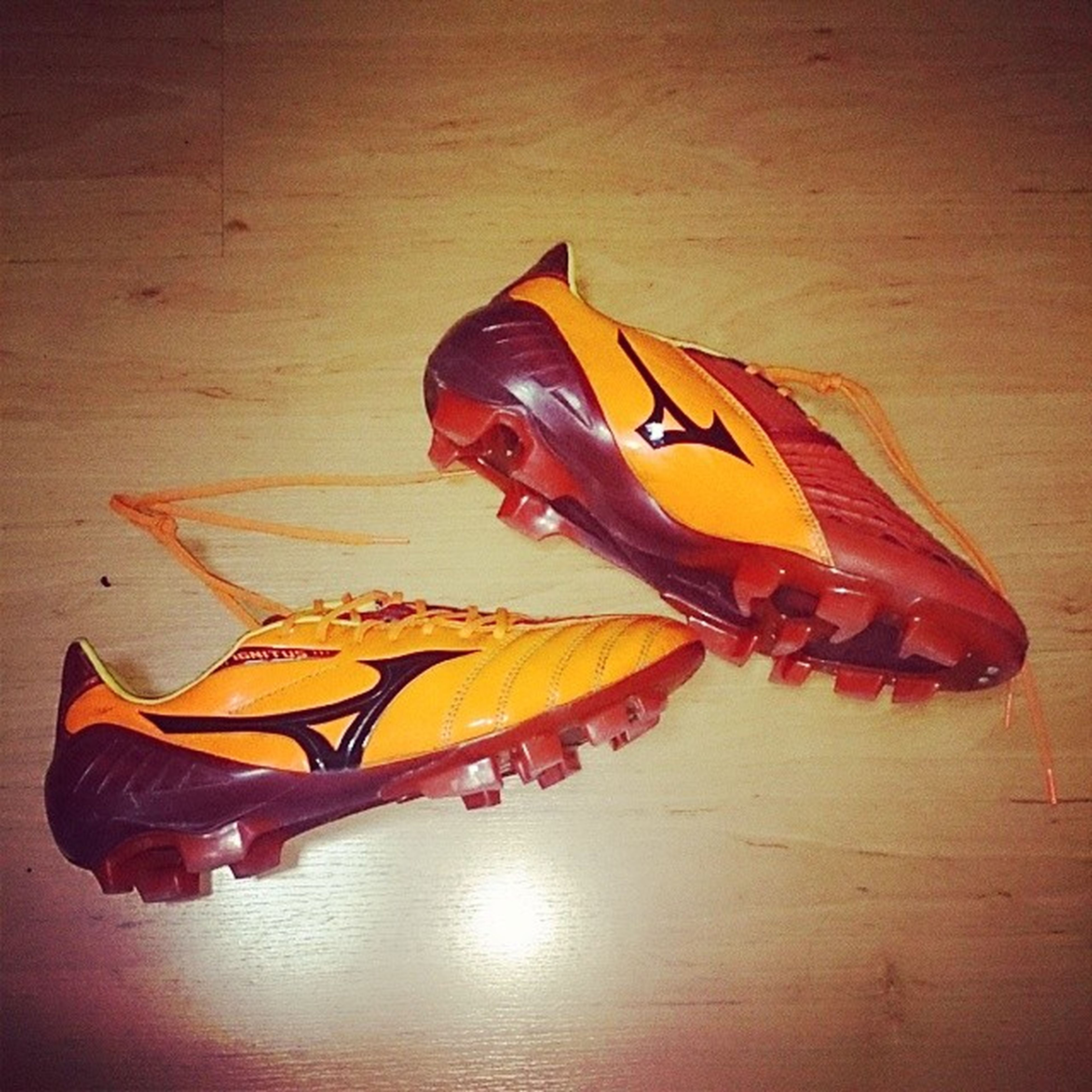 So I decided to try something new... Mizunosg IgnitusWave Sbspotlight Footballboots