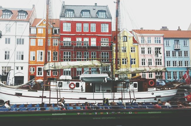 Nyhavn Colourfulbuilding Perfect Day Canaltours