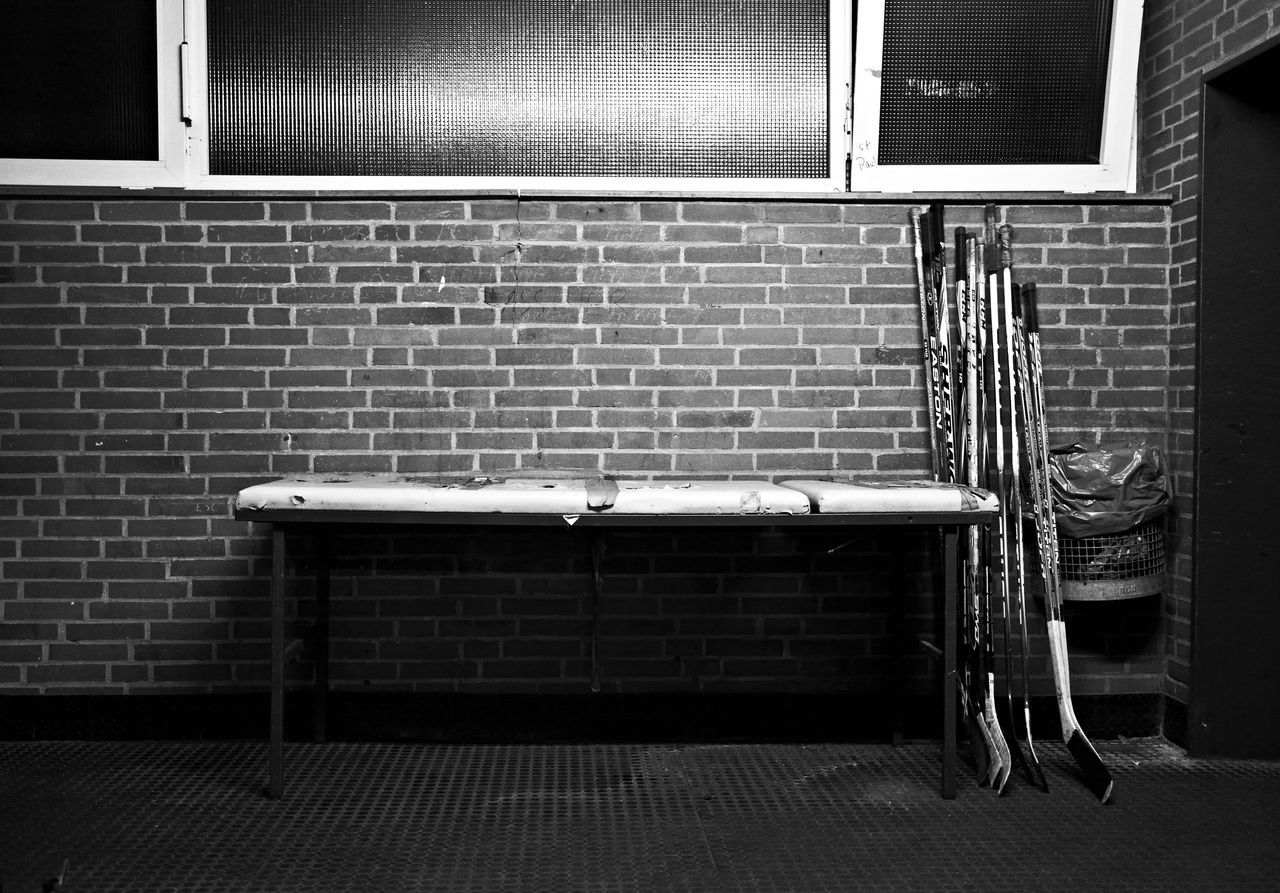 Altona ASV Bandofbrothers Bare Black Eis Eishockey Eishockey Tore Hockey Hockey Game Hockey Team Icehockey Lie LockerRoom Reportage Sanitäter Skating Rink Stretcher