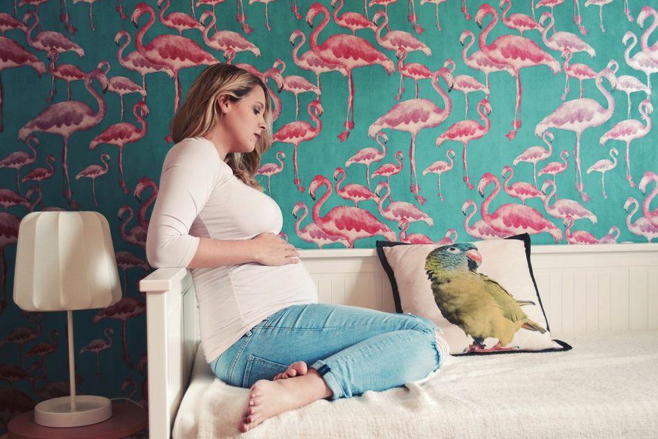 Pregnant Flamant Rose Girl