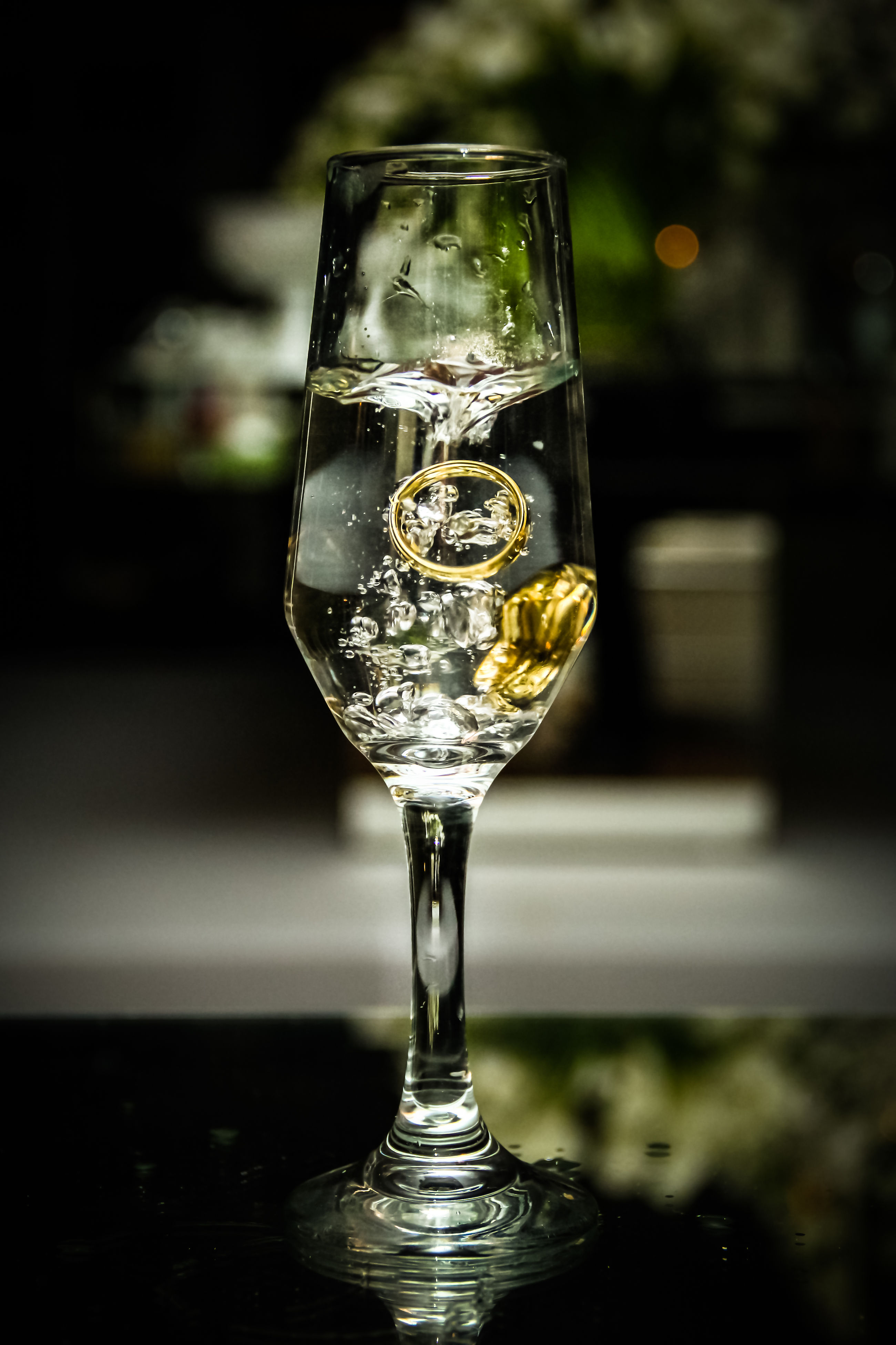 focus on foreground, close-up, drink, wineglass, alcohol, refreshment, no people, fragility, indoors, drinking glass, day