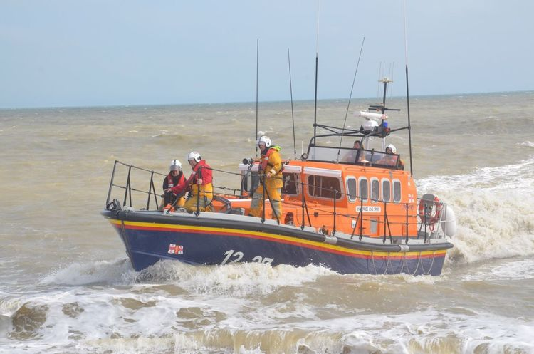 Sea Lifeboat RNLI Lifeboat Lifeboat Crew Rescue