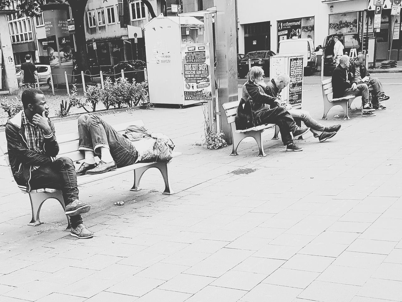 Deutschland, 10 Uhr City Street City Life City View  Street Photography People Homeless Drunk Relaxing Chilling Showcase June Talking Photo Talking Pictures Street Life Citylife My City Portrait Drunk Friends People Of EyeEm People On The Street Streetphoto GalaxyS7Edge Wonderful Life