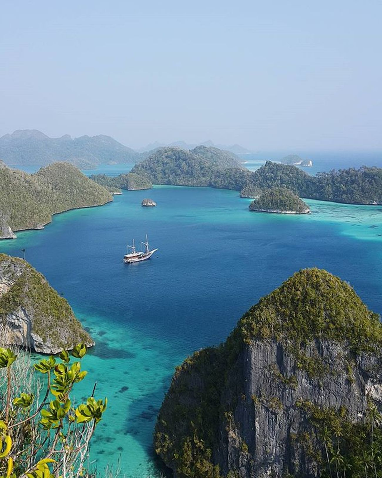 how bout if, jump in and never go back (06:09am) Inatopbucketlist Exploreindonesia Wayag Rajaampat Nofilter