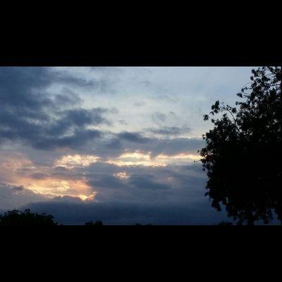 Yesterday's Sunset Hilo  Bigislandlove 808love Instahi Instagood NoEdits  Allnatural Beautifulxhi Lovemyhawaii Luckywelivehawaii