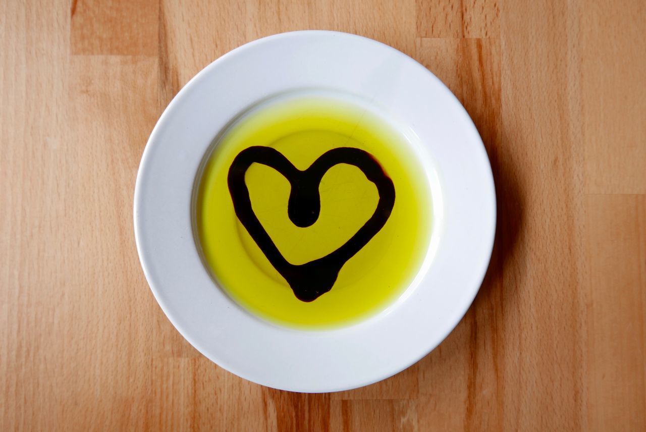 Vinegar heart in olive oil Olive Oil Heart Love Cute Vinegar Food Essig Öl